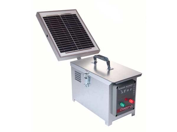 electrificateur solaire pour cloture electrique berger 40 avec panneau 10 watts sur cloturelec. Black Bedroom Furniture Sets. Home Design Ideas